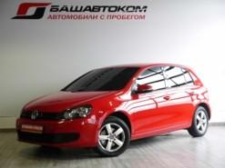 Volkswagen Golf 2011 г. (красный)